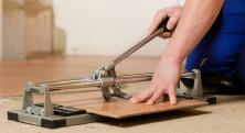 Как резать плитку плиткорезом? - фото
