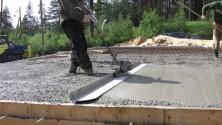Как пользоваться виброрейкой для бетона?